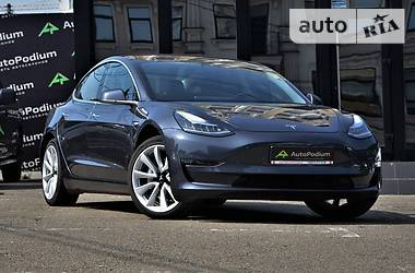 Tesla Model 3 Long Range 2018 в Киеве