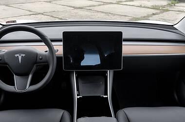 Хетчбек Tesla Model 3 2020 в Харкові