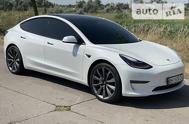 Седан Tesla Model 3 2020 в Измаиле