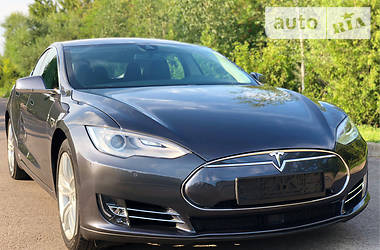 Tesla Model S 2015 в Ровно