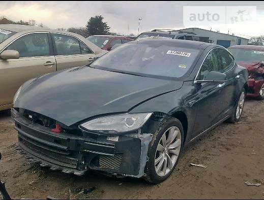 Tesla Model S 2014 года в Киеве