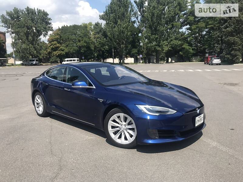 Tesla Model S 2016 в Покрове