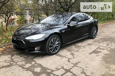 Седан Tesla Model S 2015 в Коломиї