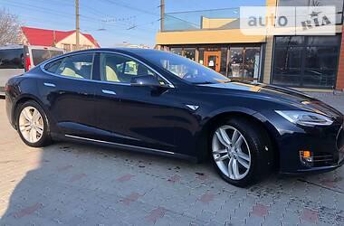 Tesla Model S 2015 в Черновцах