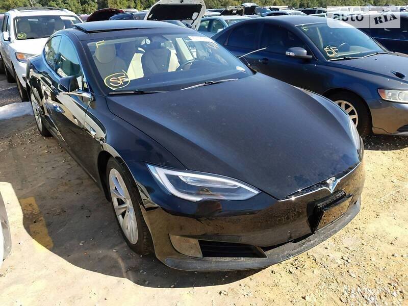 Tesla Model S 2017 в Львове