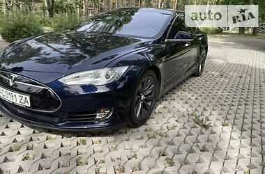 Хетчбек Tesla Model S 2015 в Києві