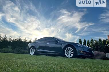 Седан Tesla Model S 2018 в Києві