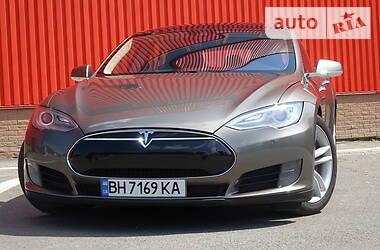 Седан Tesla Model S 2015 в Одессе