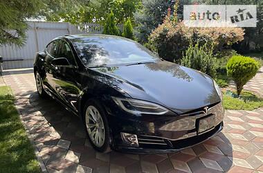 Седан Tesla Model S 2018 в Мелітополі
