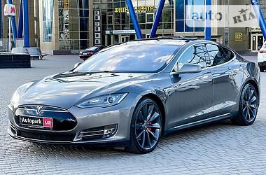 Хэтчбек Tesla Model S 2015 в Харькове