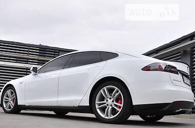 Хэтчбек Tesla Model S 2015 в Броварах