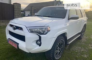 Внедорожник / Кроссовер Toyota 4Runner 2015 в Прилуках