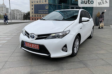 Хэтчбек Toyota Auris 2013 в Харькове