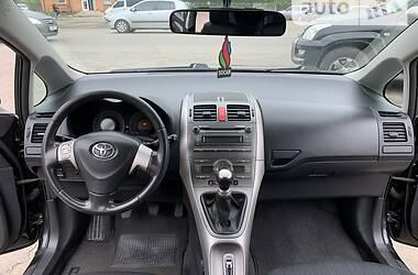 Седан Toyota Auris 2008 в Смеле
