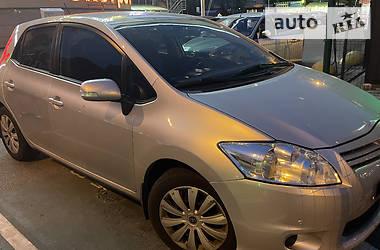 Седан Toyota Auris 2012 в Киеве