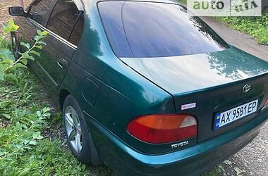 Седан Toyota Avensis 1998 в Харкові