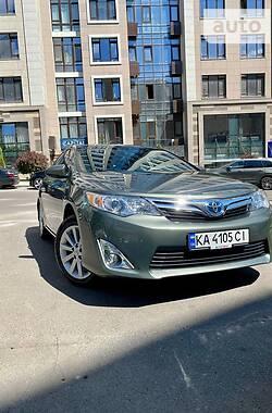 Седан Toyota Camry 2012 в Киеве