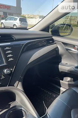 Седан Toyota Camry 2019 в Кривому Розі