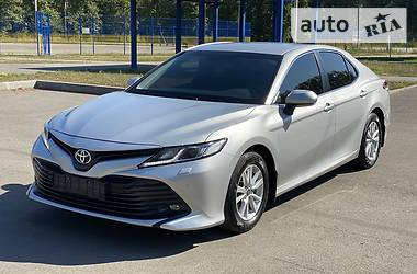 Седан Toyota Camry 2018 в Харкові