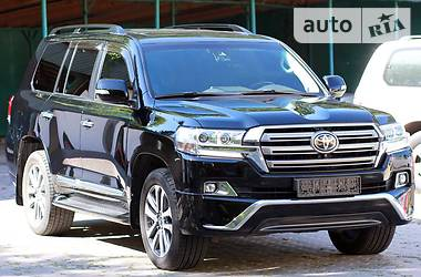 Toyota Land Cruiser 200 2015 в Черновцах