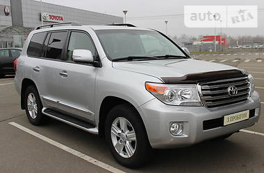 Toyota Land Cruiser 200 2015 в Киеве