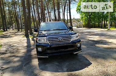 Toyota Land Cruiser 200 2013 в Житомире