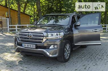 Toyota Land Cruiser 200 2016 в Ровно
