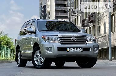 Позашляховик / Кросовер Toyota Land Cruiser 200 2012 в Одесі