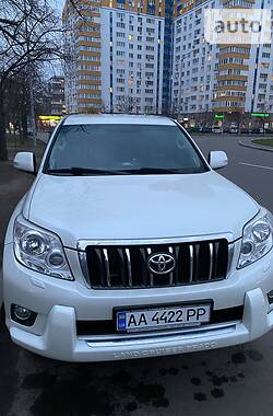 Внедорожник / Кроссовер Toyota Land Cruiser Prado 150 2010 в Киеве
