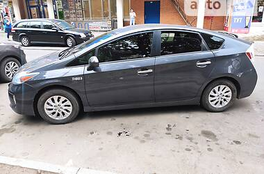 Хетчбек Toyota Prius 2014 в Харкові