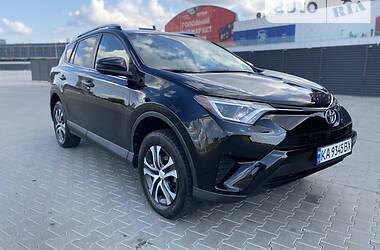 Позашляховик / Кросовер Toyota RAV4 2016 в Києві