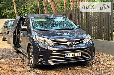 Минивэн Toyota Sienna 2019 в Киеве