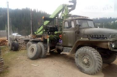 Урал 4320 1987 в Верховині