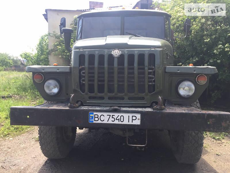 Урал 5557 1988 в Старом Самборе