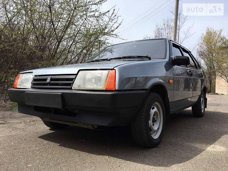 Lada (ВАЗ) 21099 2009 года в Донецке
