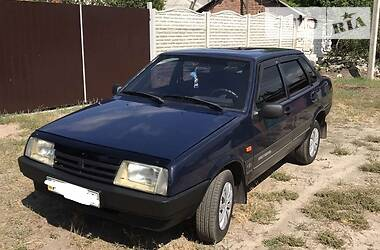 Седан ВАЗ 21099 2005 в