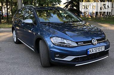 Позашляховик / Кросовер Volkswagen Golf Alltrack 2019 в Києві