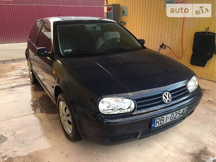 Volkswagen Golf IV 2000 в Владимир-Волынском