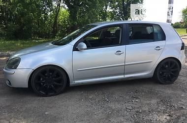 Volkswagen Golf V 2004