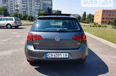 Хэтчбек Volkswagen Golf VII 2014 в Черкассах