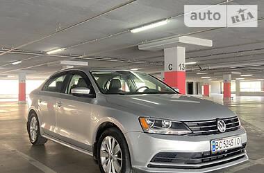 Седан Volkswagen Jetta 2015 в Львові