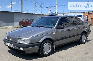 Седан Volkswagen Passat B3 1992 в Киеве