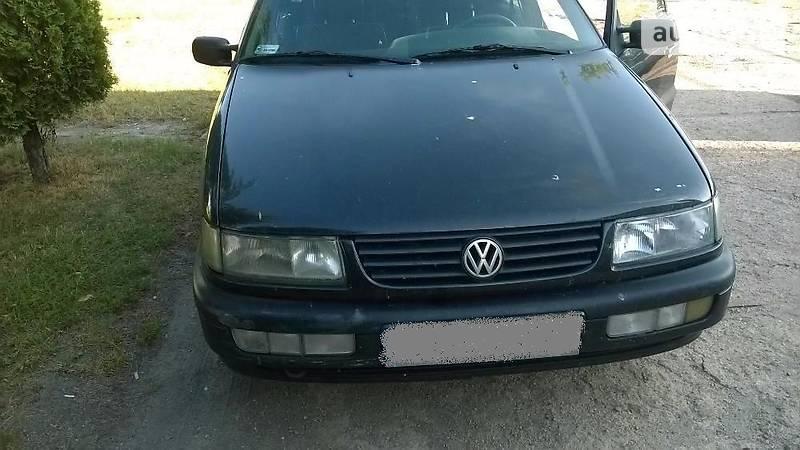 Volkswagen Passat 1994 года в Житомире