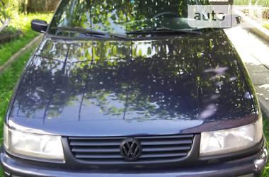 Седан Volkswagen Passat B4 1994 в Львове
