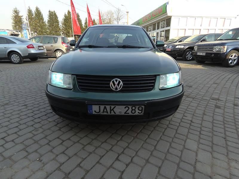 Volkswagen Passat B5 2000 в Тячеве