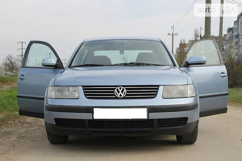 Volkswagen Passat 1998 року в Херсоні