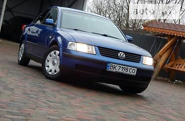 Volkswagen Passat B5 2000 в Сарнах