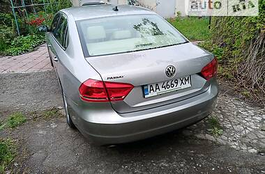 Седан Volkswagen Passat B7 2012 в Киеве