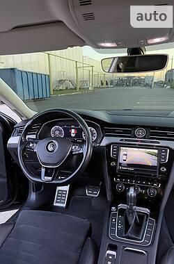 Седан Volkswagen Passat B8 2015 в Одесі