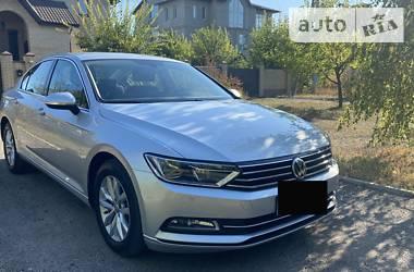 Седан Volkswagen Passat B8 2017 в Харькове